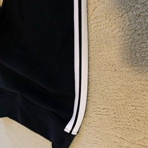 Pacsun leggings with side stripe!!